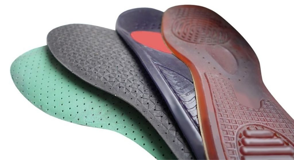 4 Shoes insoles of different color