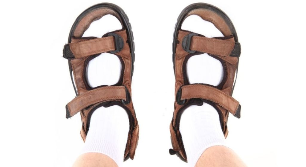 Buy the pair of best sandal for plantar fasciitis